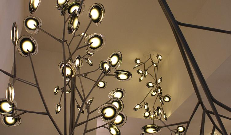 エウロルーチェ 2015 – ガラスを使った照明器具デザインに再注目!